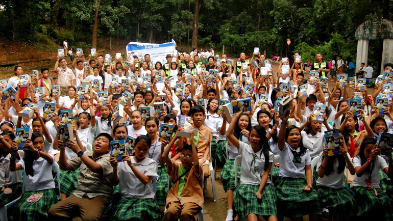 Word Riders Deliver Bibles to 500 HS Students in Bulacan