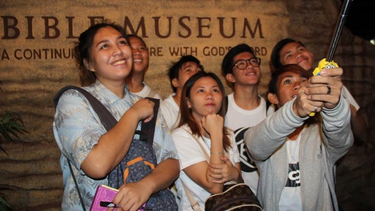 New batch of ALS students visit Bible Museum