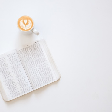 How to Start a Daily Bible Reading Habit